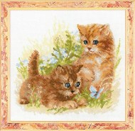 Riolis Art 1391 2 Kittens in Grass